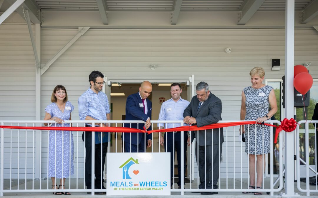 Politicians and Community Celebrate Meals on Wheels New Building